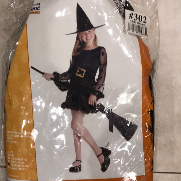 Other - Adorable witch